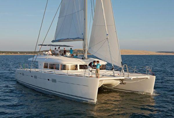 19.4 m Overnight/Day passenger Sailing Catamaran