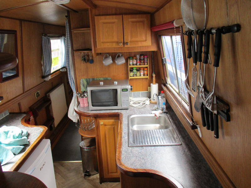 57ft Cruiser Stern Narrowboat built 2000 with 2nd Bedroom