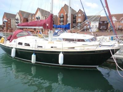 Barbican 35  - classic long keel yacht