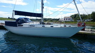 CONTESSA 32  WELL UPDATED   £19950