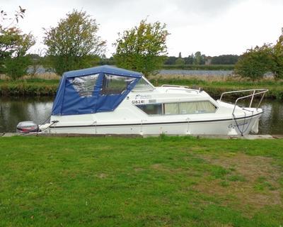 Carisbrook 1999 23' Dolphin 21