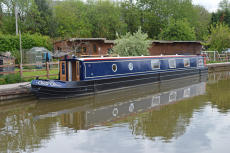 58ft Luxury Liveaboard Narrowboat by EMB