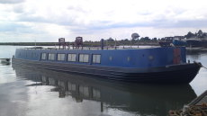 70ft wide beam house boat,
