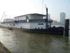 Accommodation Barge/Bunkerstorage/Office