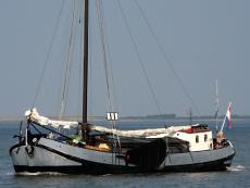 Barge, sailing, living, 3 cabins, 7 sleepingplaces