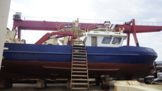 20M WORKBOAT WITH CRANE