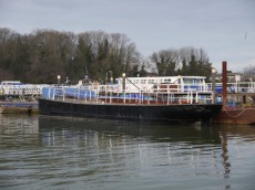 Flat top barge for conversion