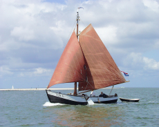 Marker Rondbouw, nice recreation sailing barge