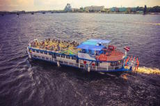 FLOATING RIVER RESTAURANT VESSEL - 180 PAX / BUILT 1988