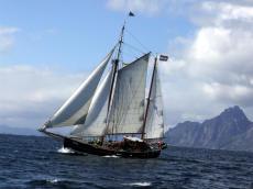 Dutch sea going charter vessel 12 pax