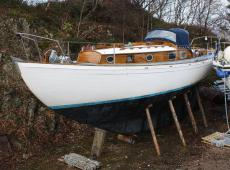 McGruers 8-ton TM classic 32-foot yacht