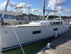 2014 Beneteau Oceanis 38 Lying in Spain, Low usage
