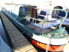 47ft Cruiser Stern 2004 Nice Condition