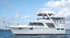 1988 CARVER 4207 Aft Cabin Motor Yacht