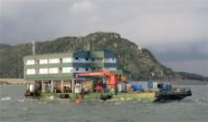 Accommodations / Work Barge