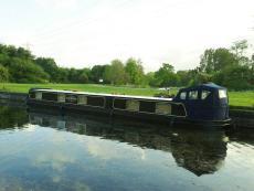 Beautiful 3 bedroom widebeam boat