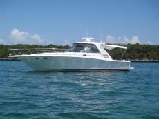 1999 SEA RAY 370 EC W/low hrs & Hardtop