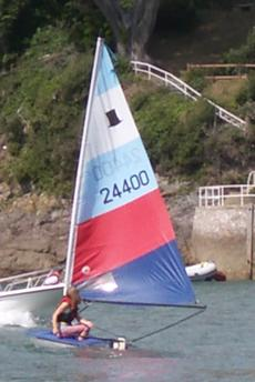 Topper - White and Blue Hull No:24400