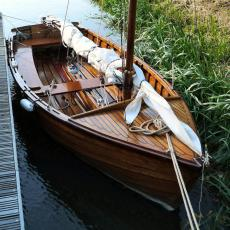 Tideway 12 Deluxe style 'Swallows and Amazons' Wooden Sailing Dinghy