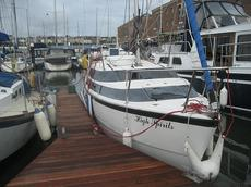 MacGregor 26M yacht