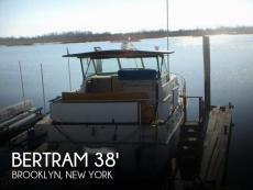 1972 Bertram Salon Cruiser Double Cabin