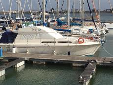 Princess 40 Flybridge motor boat