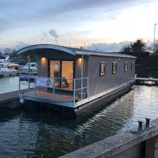 River Pod House Boats