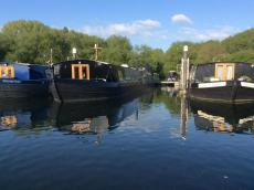 New Luxury Class Canal Boat 3 bedrooms