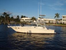 1999 Sea Ray Express Cruiser