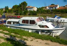 Jaimaca 1240 with Sliding roof ideal for holidays or liveaboard