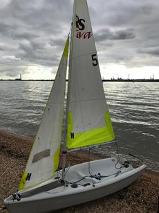 RS Feva sailing dingy 3.3 m comes with road trailer 2013