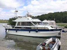 1988 Hardy 337S Flybridge Cruiser