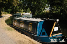 25ft NARROW BOAT AIRBNB BUSINESS !!PRICE REDUCTION FOR SALE!!