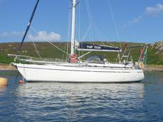 1991 Moody 376, Bluewater-ready Cruising Yacht