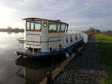 40'x9'3 wide beam canal barge, Norfolk