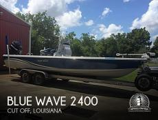 2013 Blue Wave Pure Bay 2400