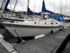 Extremely rare Westerly 35 Aft Cockpit Fin keel Liveaboard Cruiser