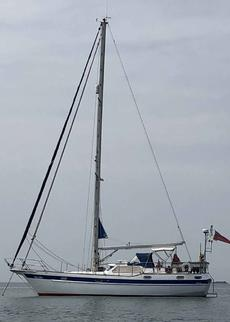 Motiva 39s - steel, pilot house, cruising thoroughbred