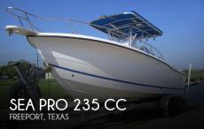 2000 Sea Pro 235 CC