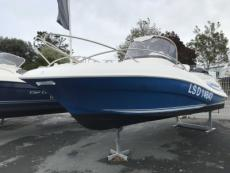 2005 QUICKSILVER 555 ACTIV