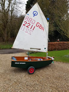 Optimist 2211 -Wooden boat ready to sail