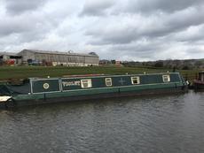 57ft Narrowboat - Cruiser stern