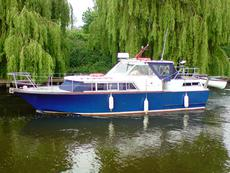 SOLD - PEGASUS 35 EXPRESS MOTOR CRUISER -