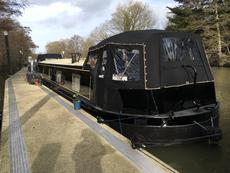 Prime Riverside Mooring & Modern Widebeam Boat