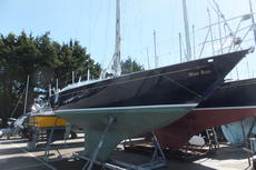Contessa 32- Dark Blue Hull-PRICE REDUCED