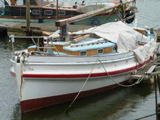 45ft LIVEABOARD LIFEBOAT CONVERSION -
