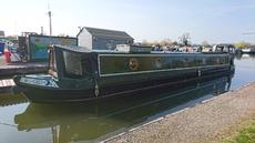 Superb 58' Cruiser Stern Reverse Layout with mooring at Saul Junction