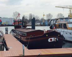 London - Lovely 22m Dutch Aak home