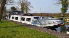Beautiful Dutch Barge 17.3m (57')