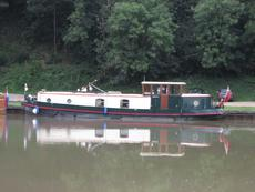 sagar dutch barge